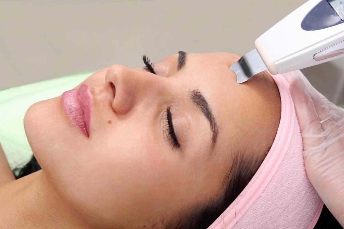 Ультразвуковая чистка лица — полезная процедура