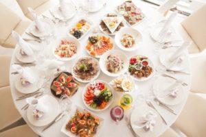 Как правильно составить меню для свадьбы?